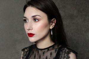 Shop red lipstick at Just4Girls.pk. Image Credit: @vera_fleur via Twenty20.