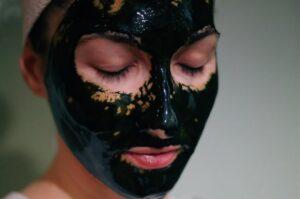 Shop masks at Just4Girls.pk. Image Credit: @dantes1401 via Twenty20.
